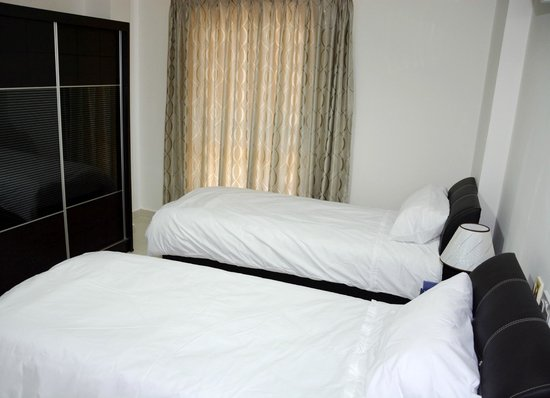 7 Days Hotel: room for 2 singles