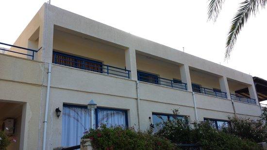 Vrachia Beach Hotel & Suites: L'hotel