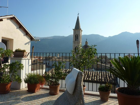 B&B Il Marchese del Grillo: view from roof top terrace