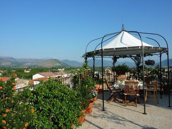 B&B Il Marchese del Grillo: view at breakfast