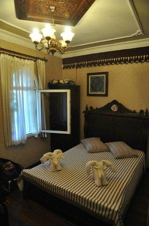 Hotel Bella: Bedroom with elephants