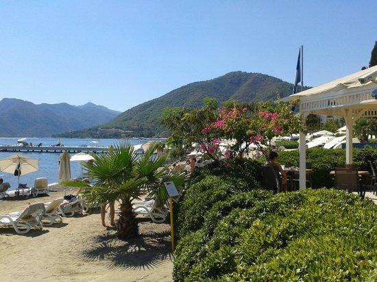 D-Resort Grand Azur: Beach from Beach Bar