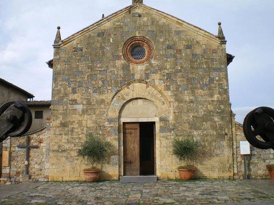 Walls of Monteriggioni: in piazza