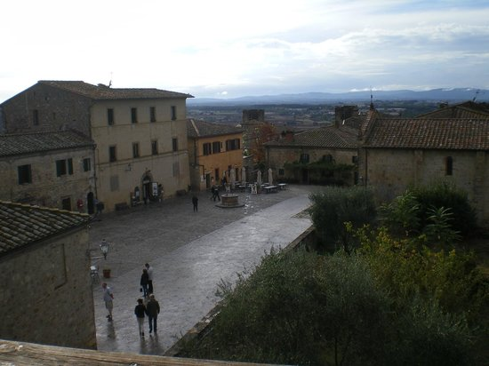 Walls of Monteriggioni: il centro
