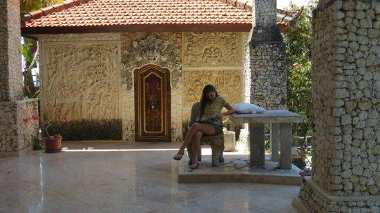 Puri Uluwatu Villas: Relax area