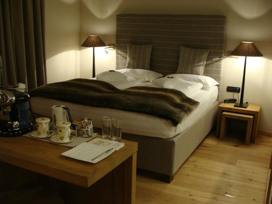 Hotel Sonne: Wonderful bed in our suite