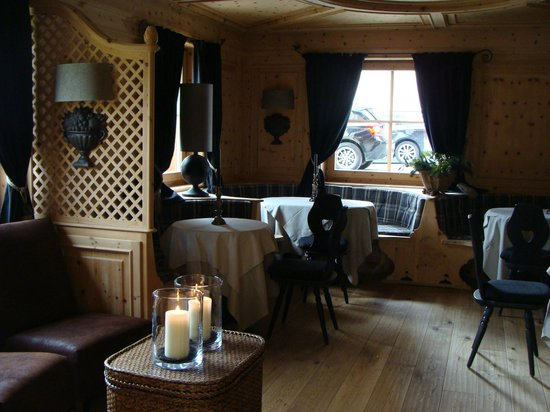 Hotel Sonne: Charming common rooms