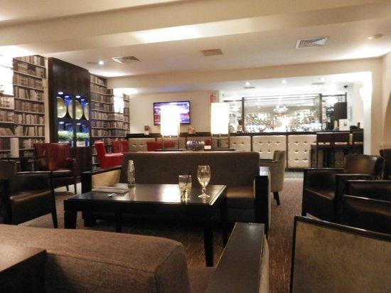Holiday Inn Birmingham-Bromsgrove: The bar area