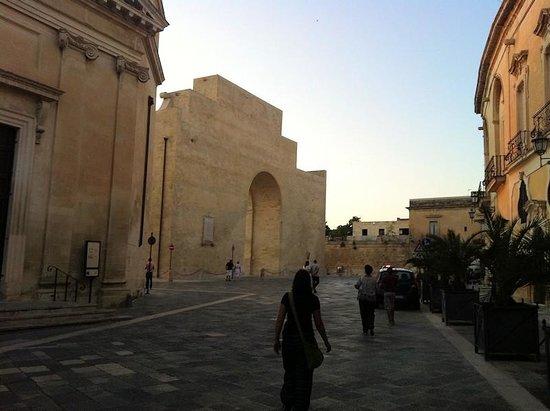 Lecce, Itália: Facciata posteriore