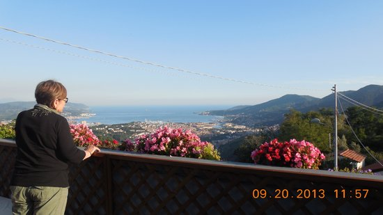 B & B Il Gelsomino: View from Patio