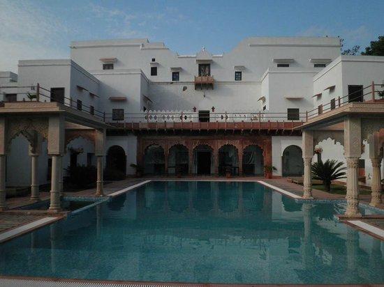 Chandra Mahal Haveli: Pool