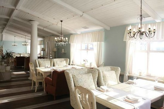 Babushkin Sad Hotel: ужин в ресторане