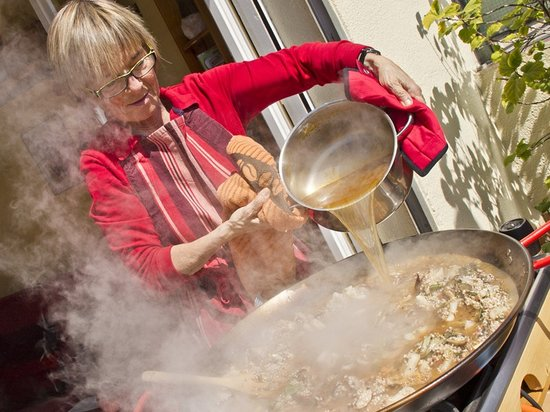 ‪Marta's Private Paella Cooking Classes‬