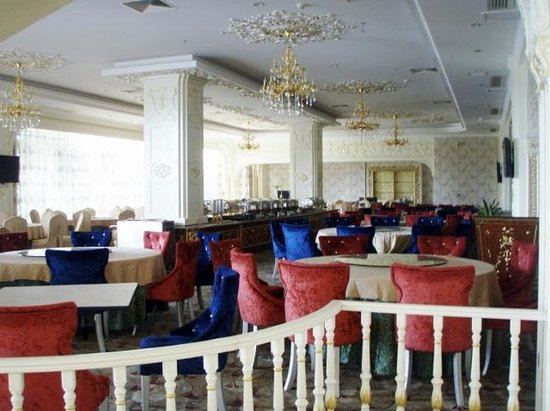 Lichuan County, China: main restaurant