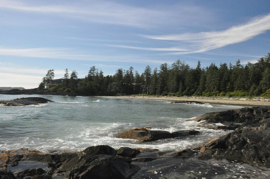 Wickaninnish Inn and The Pointe Restaurant: Hotel on the rocks from the beach