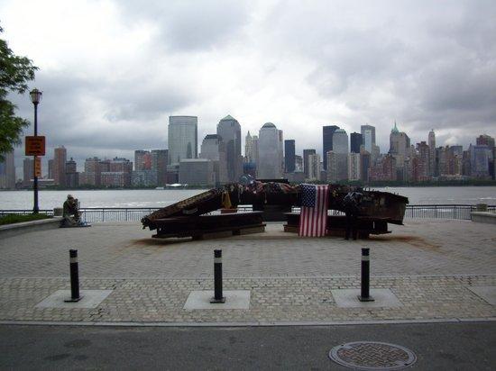 NYC-JC Guest Suites: World Trade Senter bygningsdeler/minnesmerke New Jersey