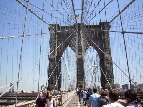 NYC-JC Guest Suites: En opplevelse å gå over Brooklyn Bridge