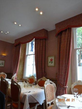 London Elizabeth Hotel: 朝食はここで