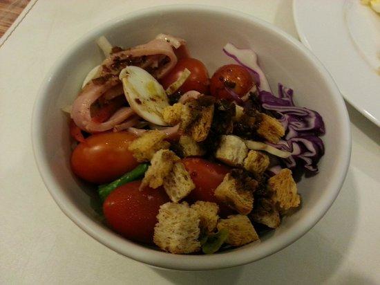 Budacco : Salad with Italian dressing