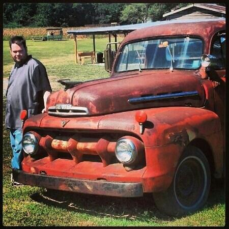 Aw Shucks Farms: ole rusted ford pickup