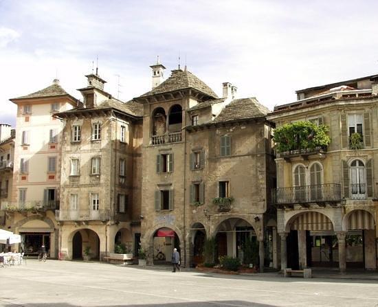 Domodossola, Włochy: Piazza del Mercato