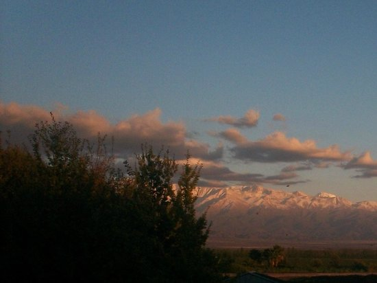 Casa Antucura Wine Hotel: Sunrise over the Andes