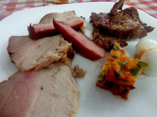 Restaurante Oeles Grill: mais comida...