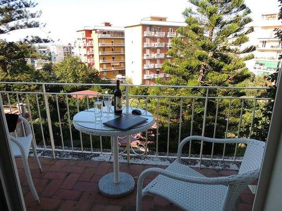 Il Giglio Bianco: Balcony view