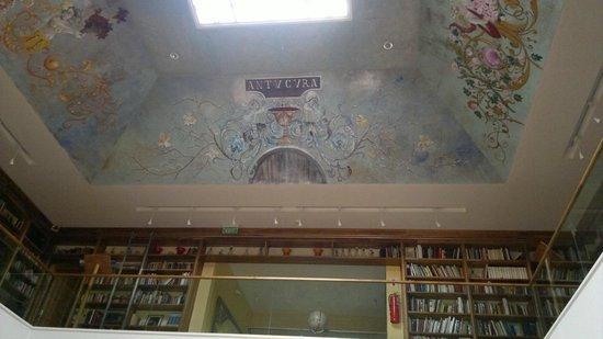 Casa Antucura Wine Hotel: Library