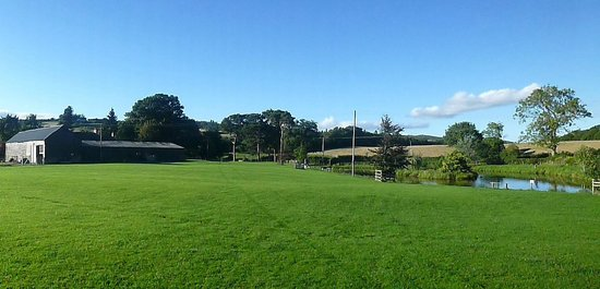 Panoramic view of Bredward Farm, as seen from the paddock/pond area