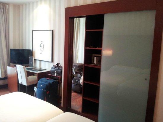 Hotel Zenit Borrell: my room