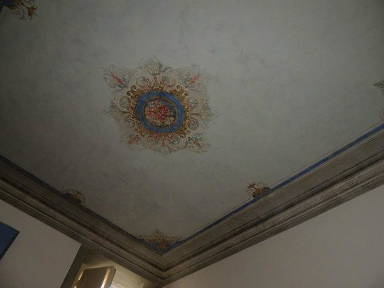 Casa Rovai Guest House: B&B room ceiling