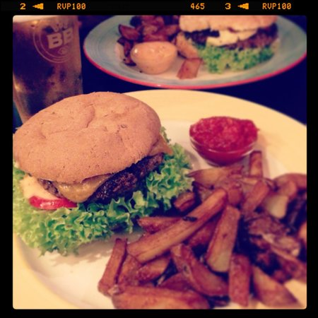Halifax : Black Bread with special burger and fries