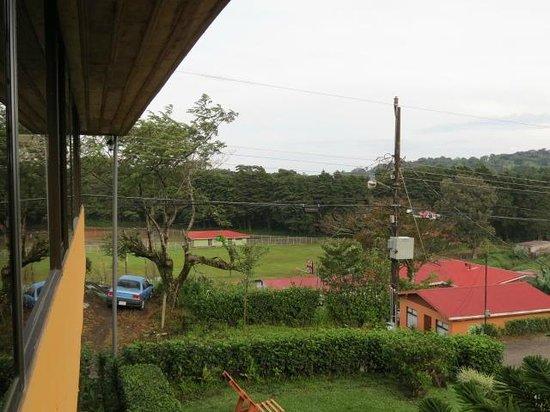 Hotel Cipreses Monteverde Costa Rica: Desde el balcón. Vista de la plaza pública.