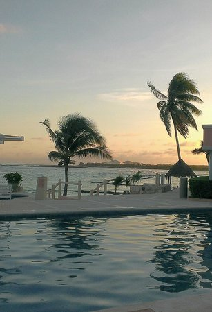 Fatima Bay : Omni Hotel Sunset