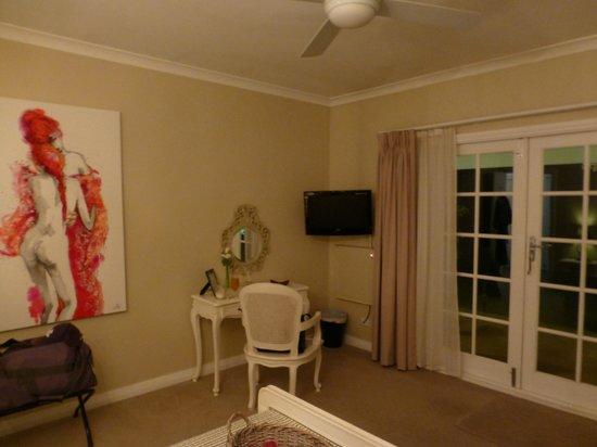 Llewellin's Guest House: The Garden Room