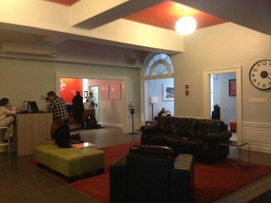 Chicago Getaway Hostel: Reception