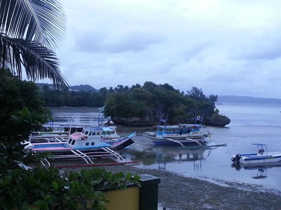 Paradise Bay Beach & Watersport Resort: The view from the garden