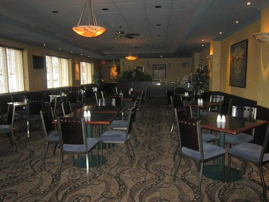 Quality Inn & Suites Riverfront : Dining