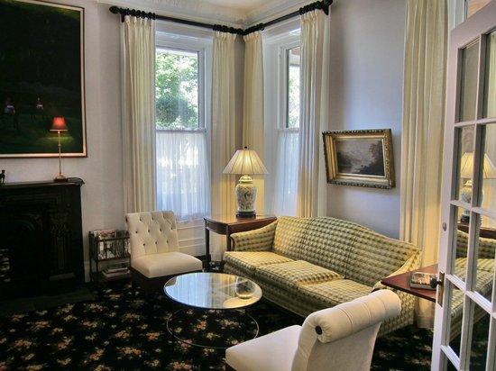 Saratoga Arms : Salon