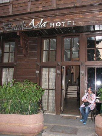 Butik Ada Hotel: entrance