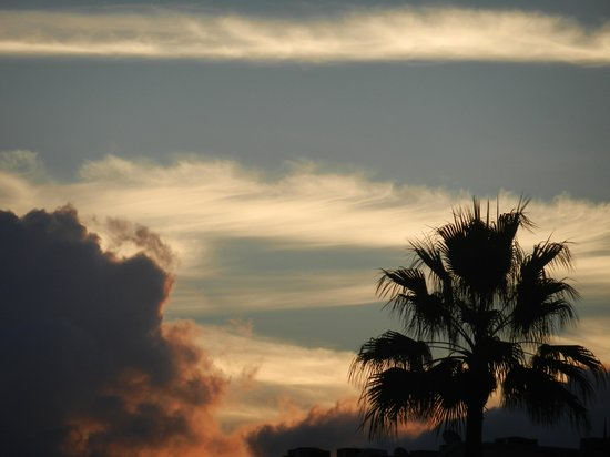 Hutchinson Island Plaza Hotel and Suites : Beautiful Sunrise!