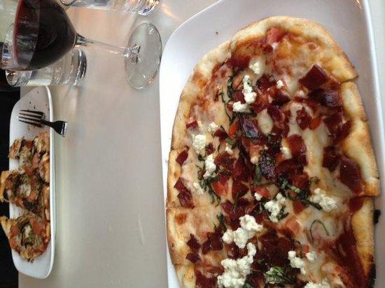 Zel's Del Mar Cafe: pizza