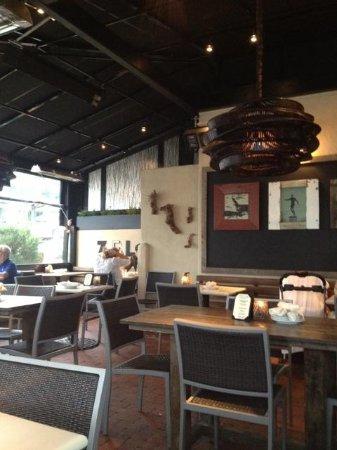Zel's Del Mar Cafe: patio