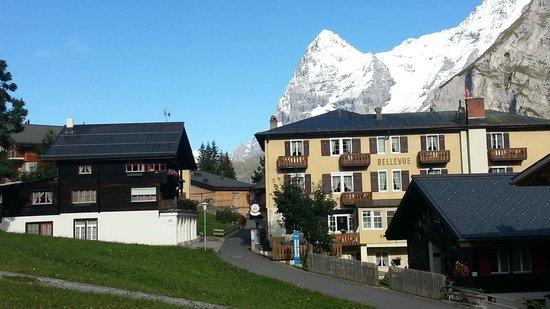 Hotel Bellevue: Side view with Eiger  - Bellevue Hotel Murren