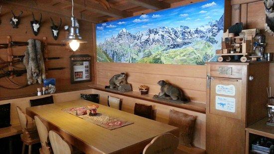 Hotel Bellevue: Front Bar area - Bellevue Hotel Murren