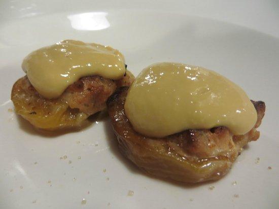 """Antica Ostaja: Dessert  - """"pesche con amaretti"""""""