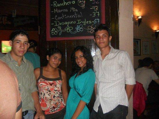 ViaVia Leon: Disfrutando con mis amigos en Via Via!