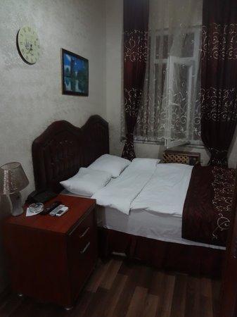 Singola Con Letto Matrimoniale.Camera Singola Con Letto Matrimoniale Picture Of Hurriyet Hotel
