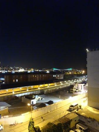 Hurriyet Hotel: Vista dall'hotel